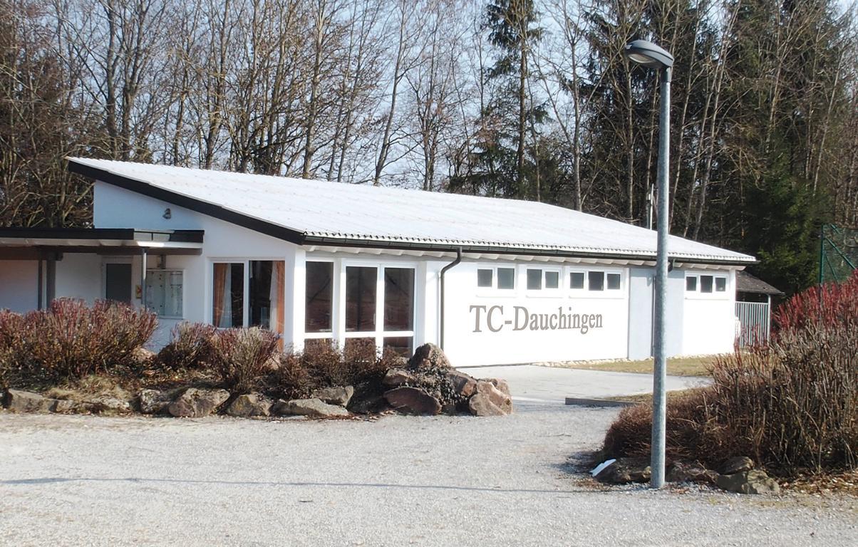 K1024_Tennisheim-im-März
